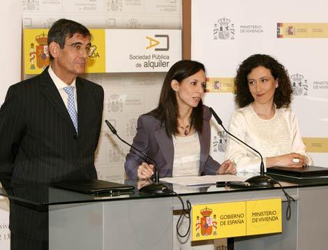 El director gral. de la CECA, José A. Olavarrieta, junto a Corredor y Nieves Huertas (SPA).
