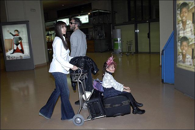 La actriz, junto a su marido y su hija mayor. | Gtresonline