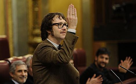 Joaquín Reyes, de pajarita, en el Congreso. | Bernardo Díaz
