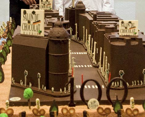 Imagen de la Gran Vía de chocolate. (EFE)