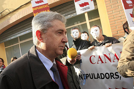 Vicente Sanz acude a declarar al juzgado de Paterna   José Cuéllar.