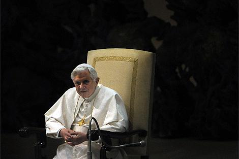 Benedicto XVI, en un oficio por el cuarto centenario de la muerte de Matteo Ricci .   Afp