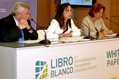 Corredor, junto a Pedro Castro, en la presentación del 'Libro Blanco de la Sostenibilidad'.
