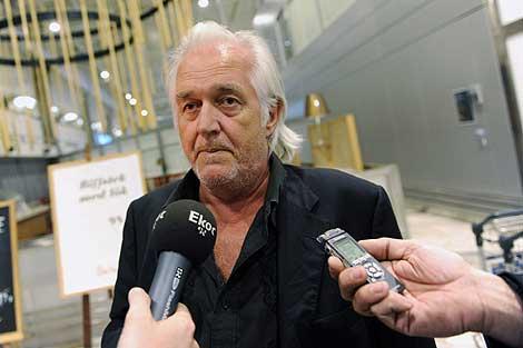 El escritor sueco Henning Mankell, a su llegada a Suecia. | Efe