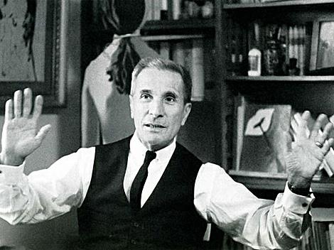 El escritor italiano Dino Buzzati