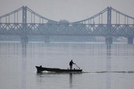 El Puente de la Amistad en la frontera entre China y Corea del Norte. | Ap