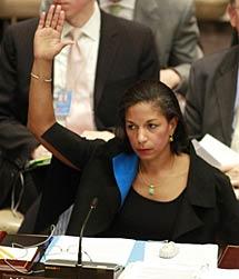 Susan Rice vota en la ONU.   Reuters