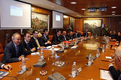 Momento de la celebración del Consejo en Caja de Ávila. | Ricardo Muñoz