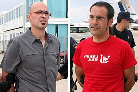 Goitia (izquierda) y Guisasola (derecha) durante su traslado.   Policía Nacional