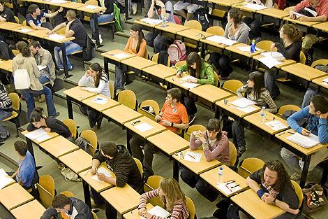 Los alumnos madrileños fueron los primeros en examinarse. (EM)