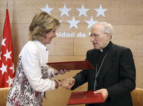 Aguirre y Rouco Varela firman un convenio para organizar las Jornadas de la Juventud / Efe