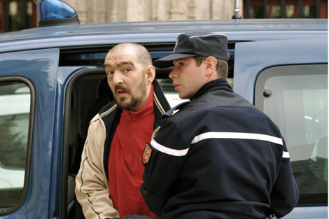 El 'caníbal de Rouen', a su llegada al tribunal donde está siendo juzgado.   Afp