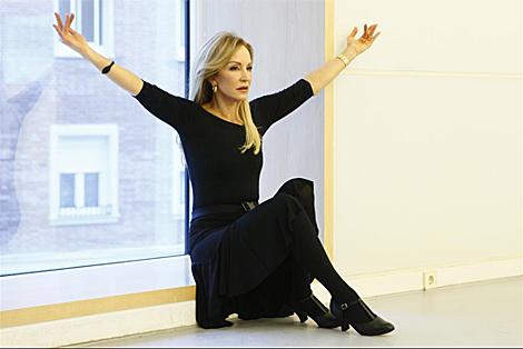 Carmen Lomana, en un ensayo como participante de 'Más que baile'. (Foto: Antonio Heredia)