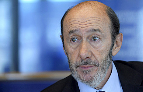 El ministro Alfredo Pérez Rubalcaba, esta tarde en el Parlamento Europeo. | Eric Vidal | Efe