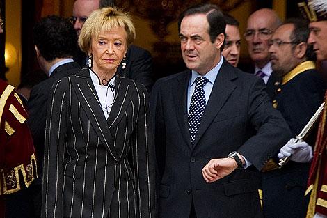 José Bono junto a la vicepresidenta, Mª Teresa Fernández.   Gonzalo Arroyo