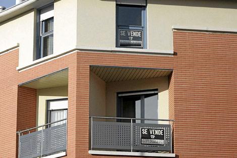Viviendas a la venta en un bloque de Valladolid. | Elmundo.es