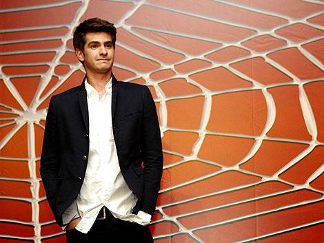 Andrew Garfield posa en Cancún tras anunciarse que él será el próximo Spiderman. | Reuters