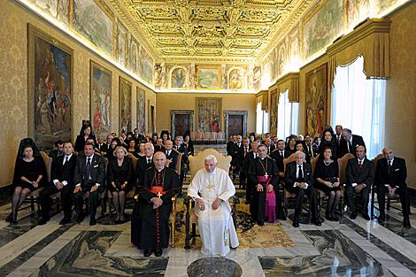Benedicto XVI junto a empresarios españoles. | Inforpress
