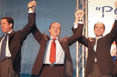 Zaplana y Camps apoyan a Ripoll en la campaña de 2003. | Ernesto Caparrós