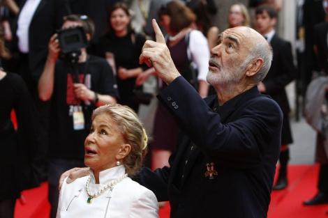 El actor escocés Sean Connery y su esposa, Micheline Connery. | ELMUNDO.es