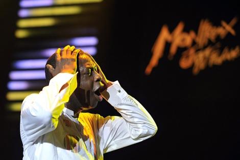 El cantante senegalés durante una actuación.   M. Trezzini