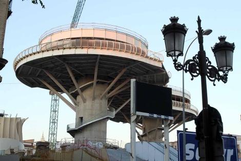 La plaza de la Encarnación, con el proyecto de Metropol Parasol en obras. | Carlos Márquez