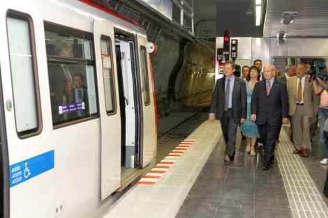 Montilla, Hereu y Nadal inauguran las instalaciones de la línea 5. | Christian Maury