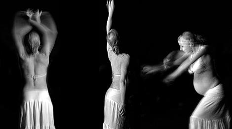 Videoinstalación 'Luna preñada', de Fernando Sánchez.   Ricardo Muñoz