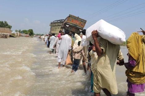 Desplazados por las inundaciones. | Afp