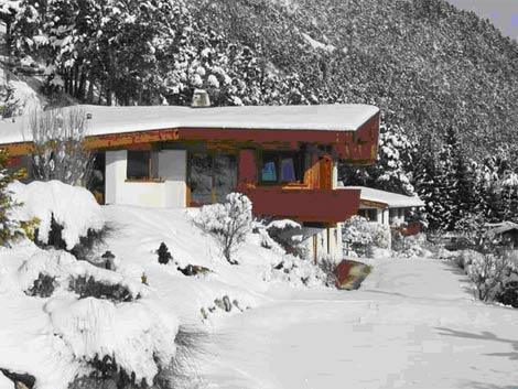 La casa de madera se encuentra junto a la frontera austriaca. | Elmundo.es