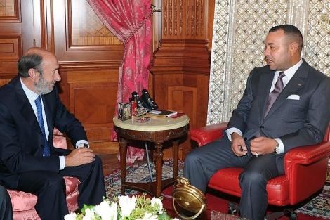 Rubalcaba y el rey de Marruecos, Mohamed VI,   Afp