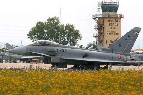 Foto de archivo de un Eurofighter del Ala 11 de la base aérea de Morón de la Frontera.   Efe