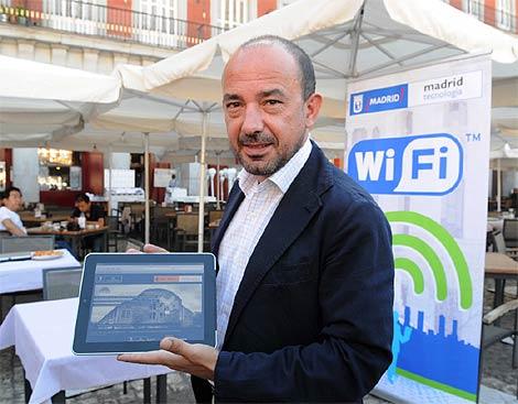 Miguel Ángel Villanueva, en la presentación de la iniciativa. (Ayto.)
