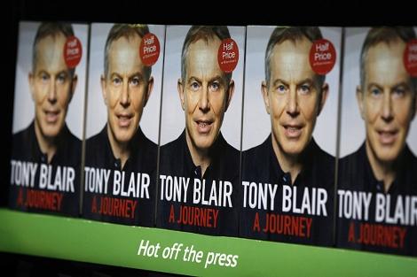 Ejemplares de 'A journey', en una librería de Londres. | AP