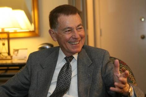 El catedrático de Biología Evolutiva Francisco Ayala. | El Mundo
