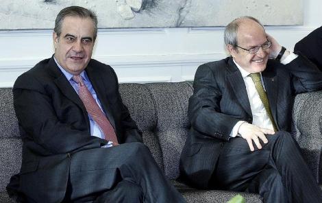 Celestino Corbacho y el president de la Generalitar, el pasado mes de marzo. | Antonio Moreno