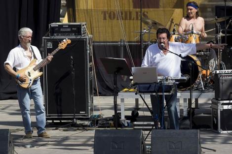 Actuación de Bloque en la Plaza de Toros burgalesa.   Efe
