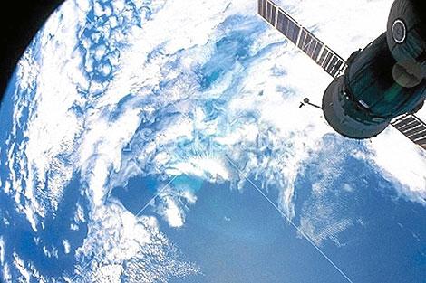 Imagen del satélite Envisat que capta masas de fitoplancton en los océanos   ESA