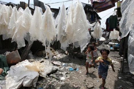El hambre podría reducirse a la mitad en 2015 en algunos paises.   Efe