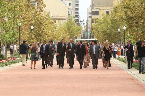 Las autoridades han inaugurado la plataforma del parque Ribalta. | Lidia Vicente