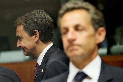Nicolas Sarzoky y Rodríguez Zapatero, en la reunión del Consejo de Europa. | Efe