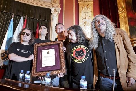 La banda en un momento del homenaje en el Ayuntamiento. | Pablo Araujo