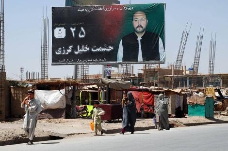 Cartel electoral en Kandahar de Hashmat Jalil Karzai, familiar del presidente afgano.   Mònica Bernabé