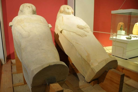 La Dama de Cádiz, junto a su 'pareja' masculina. | C. Zambrano