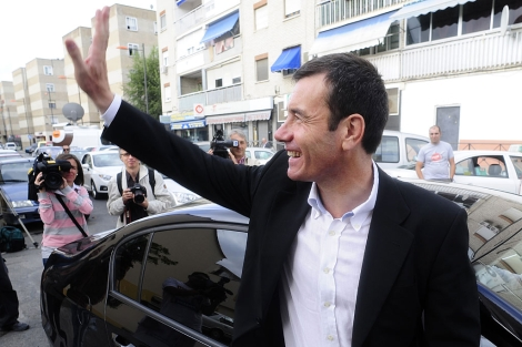 Tomás Gómez, antes de emitir su voto.| Bernardo Díaz.