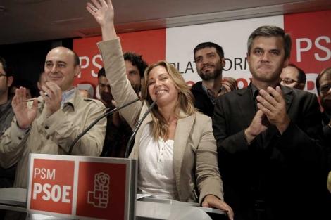 Jiménez (c), acompañada por Oscar Iglesias, P. Zerolo, F. Moza y David Lucas. | A. Di Lolli