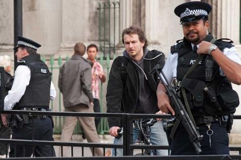 Policías, en el centro de Londres.   Afp