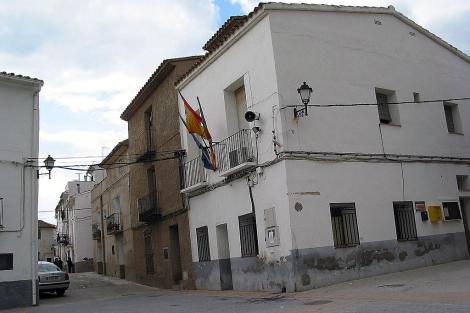 Fachada de la casa consistorial de Torrechiva, en Castellón. | ELMUNDO.es