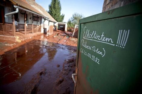 Una de las localidades afectadas por el vertido.   Afp