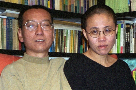 El premio nobel Liu Xiaobo y su esposa Liu Xia.  Foto: Afp
